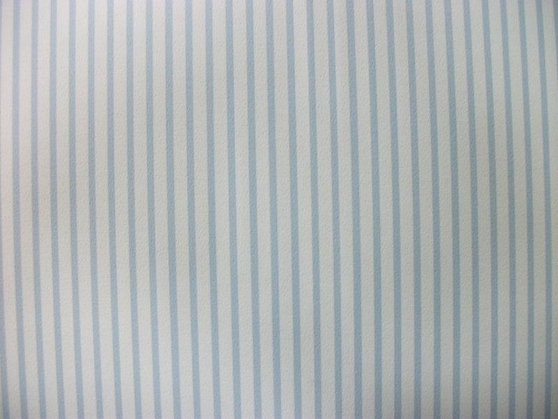 Papel pintado rayas 2 mm azul cielo y blanco boutique for Papel pintado azul y plata