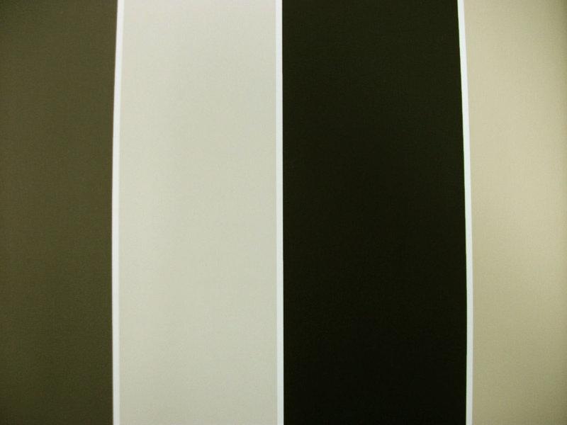 Papel pintado rayas 10 cm tonos grises y beige boutique for Papel pintado tonos beige