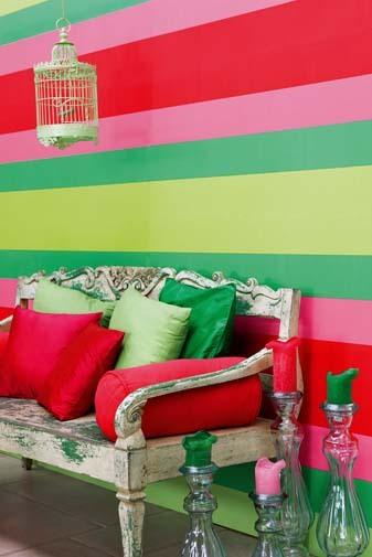 Papel pintado rayas 13 cm tonos verdes y rosas boutique for Papel pintado rayas verdes